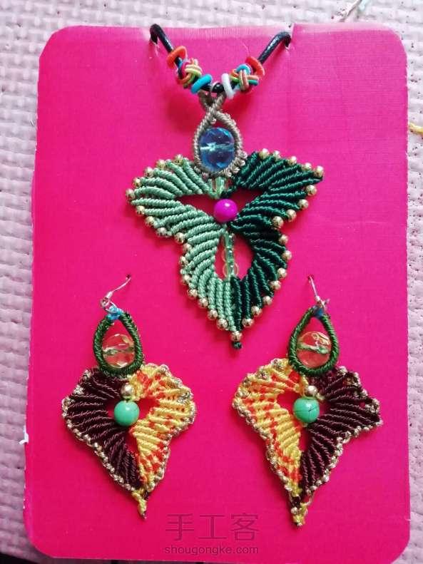 叶韵,叶千姿百态,青绿碧翠,姹紫嫣红,枯叶飞黄,真是编织的万般模板。