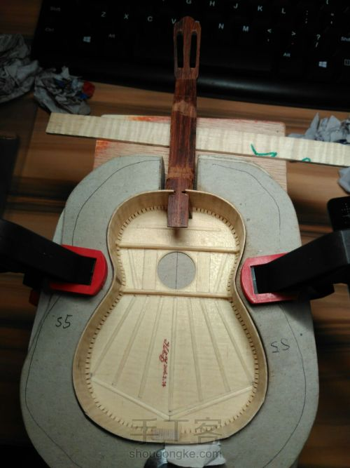 史上最精致小吉他 能弹的迷你微缩手工吉他 第52步