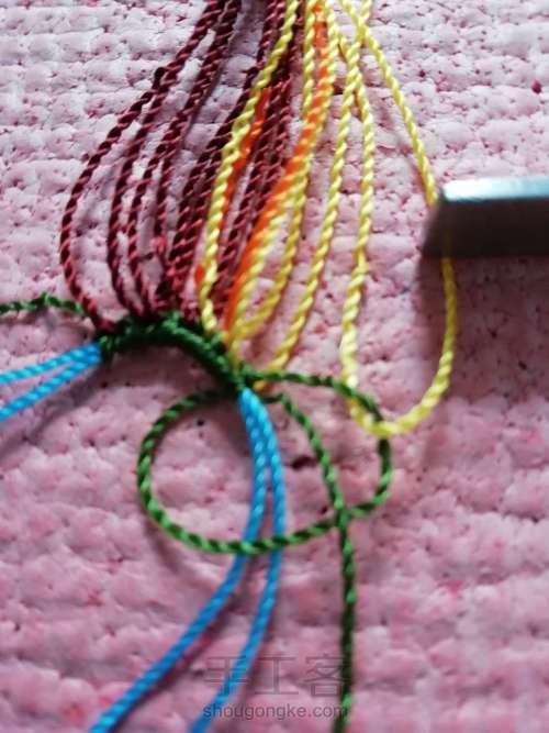 叶韵,叶千姿百态,青绿碧翠,姹紫嫣红,枯叶飞黄,真是编织的万般模板。 第2步