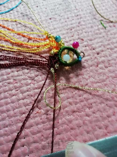 叶韵,叶千姿百态,青绿碧翠,姹紫嫣红,枯叶飞黄,真是编织的万般模板。 第8步