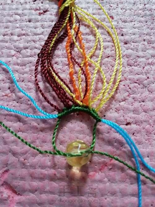 叶韵,叶千姿百态,青绿碧翠,姹紫嫣红,枯叶飞黄,真是编织的万般模板。 第4步